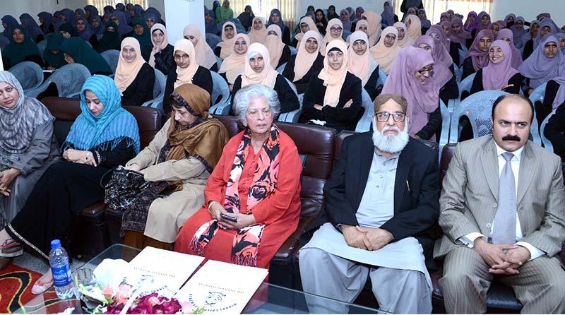 Dr Tahir-ul-Qadri's services laudable: Sayyida Abida Hussain